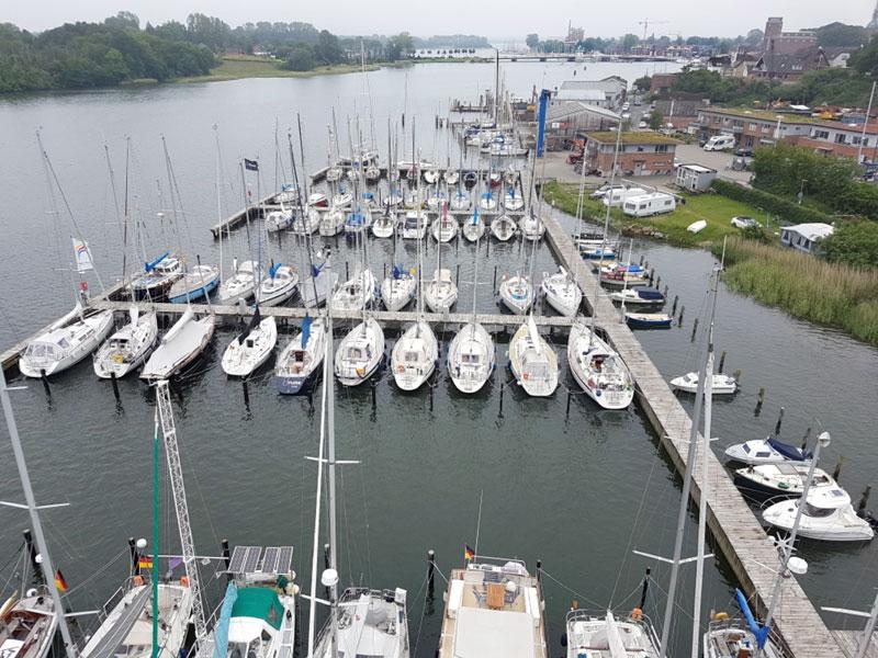 Marina mit ca. 90 Liegeplätzen